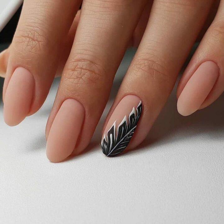 manikyur-minimalizm