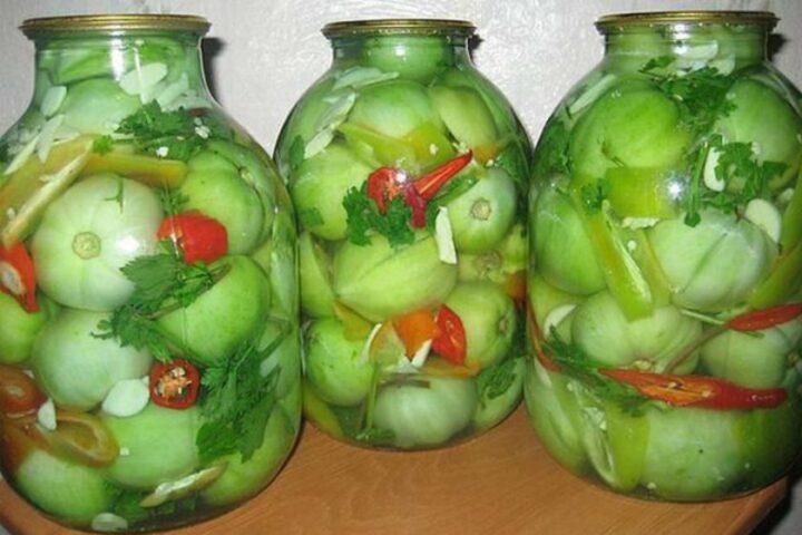 zelenye-pomidory-v-bankakh