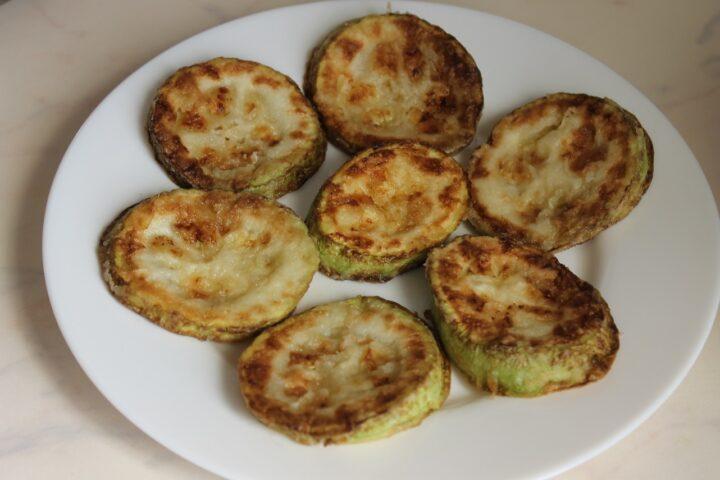 cabachki-zharenye-na-tarelke