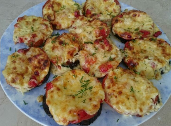 baklazhany-v-dukhovke-s-pomidorami-i-syrom.jpg