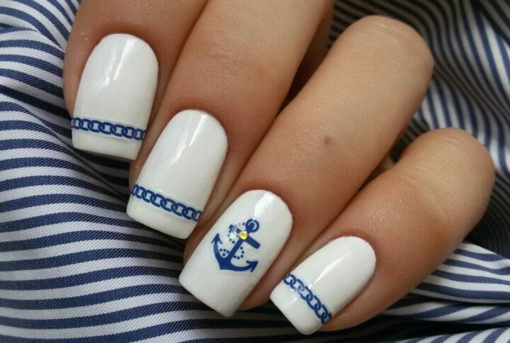 frantsuzskiy-manikyur-v-morskom-stile.jpg