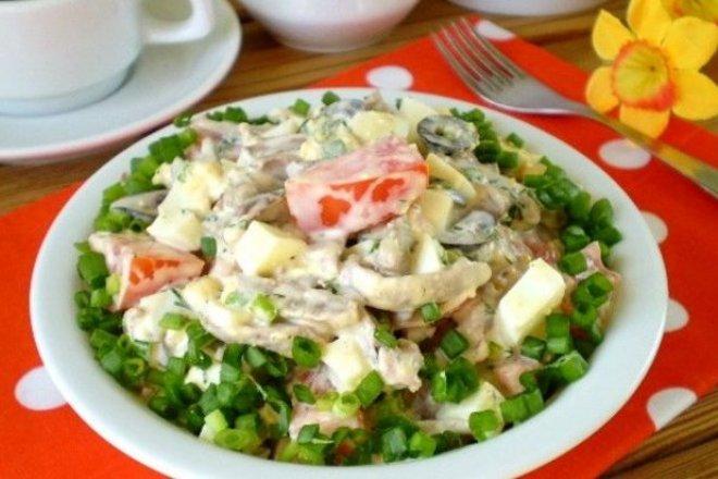 salat-s-kurinymi-serdechkami.jpg
