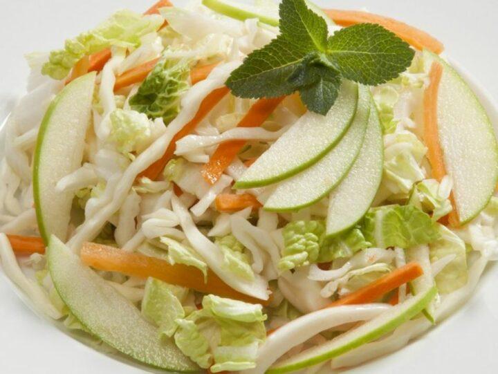 salat-iz-kapusty-s-morkov'yu.jpg